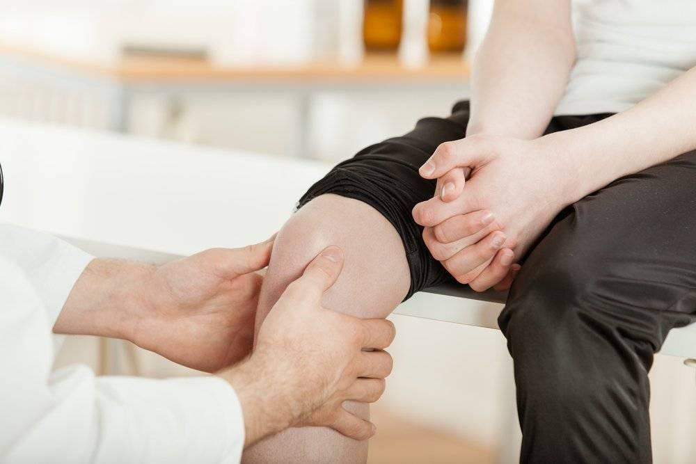 Боль в коленях при приседании: лечение в клинике стопартроз в москве