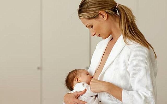 Маникюр для кормящей мамы: допустимо ли использование лака?
