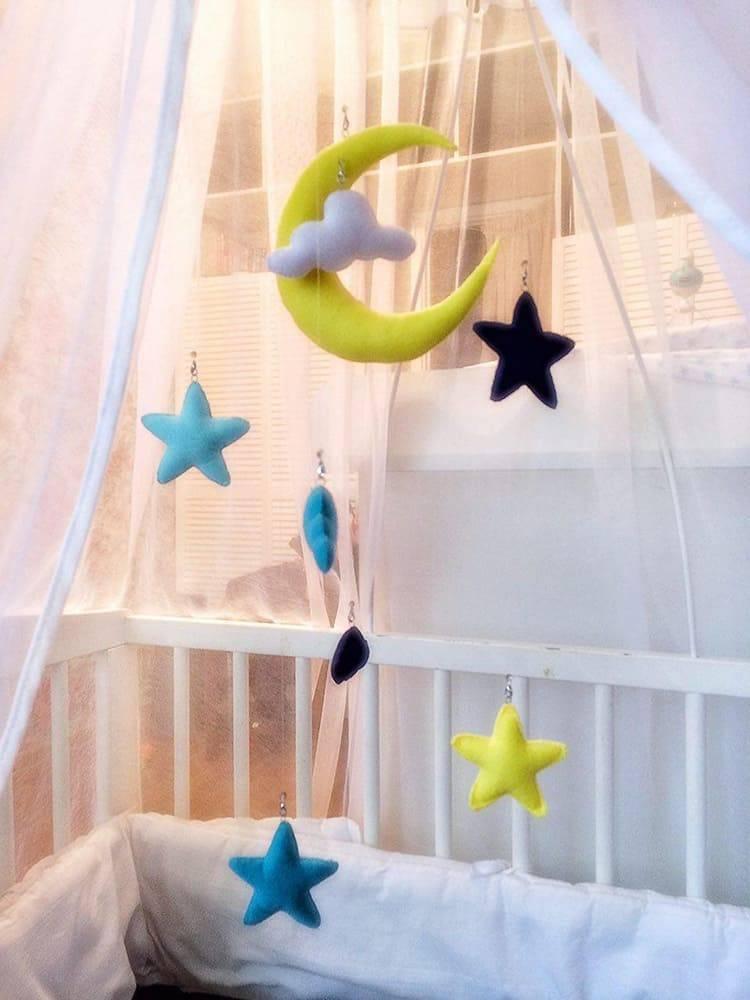 Мобиль своими руками на детскую кроватку, из бумаги, фетра