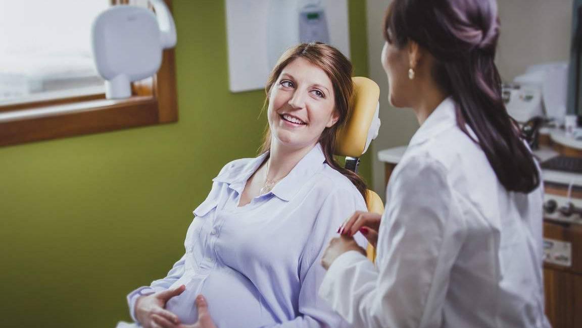 5 важных правил посещения стоматолога во время беременности   центр стоматологии «виртуоз»
