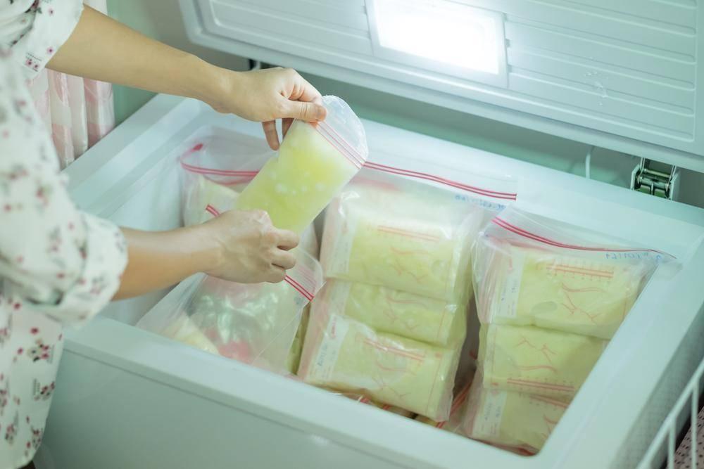 Грудное молоко: как хранить и замораживать