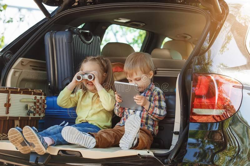 10 лучших маршрутов для путешествия с ребёнком на автомобиле