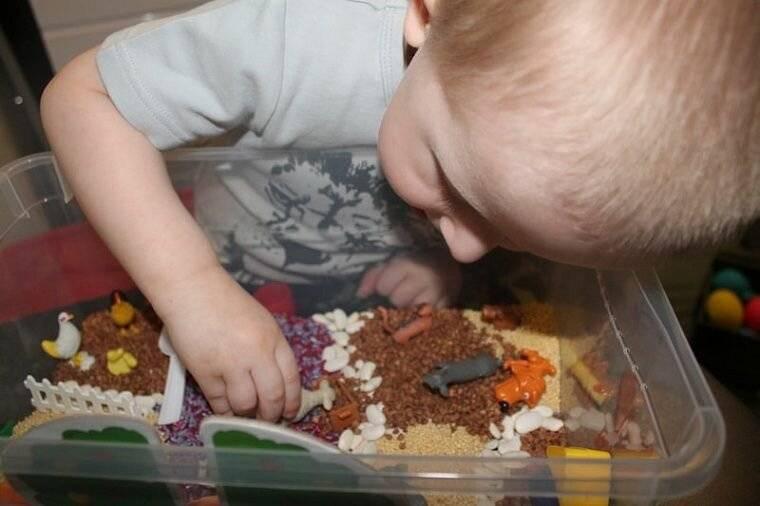 Сенсорная коробка для детей своими руками: как сделать — мк с фото