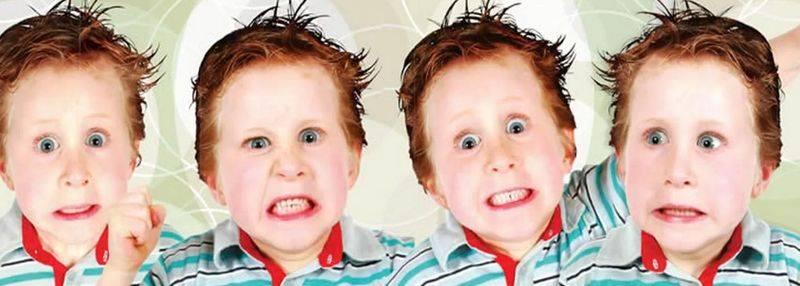 Почему ребенок часто моргает глазами и щурится?