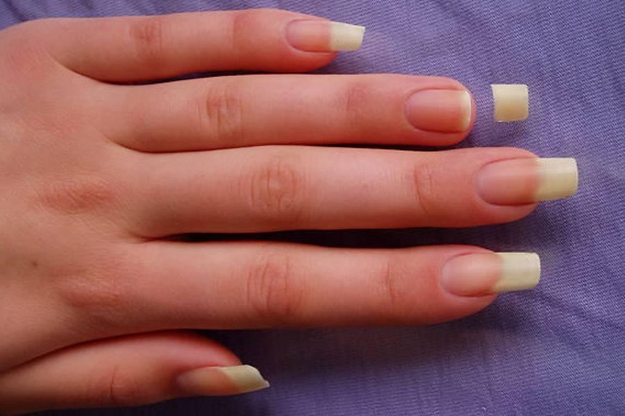 Наращивание ногтей при беременности: не опасно, но так ли необходимо?..