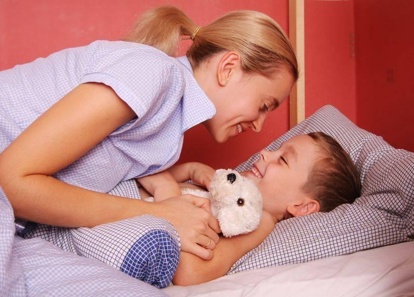 Как приучить грудничка засыпать самостоятельно: что делать
