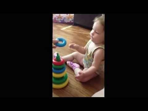 Как научить ребенка собирать пирамидку: способы и полезные советы специалистов