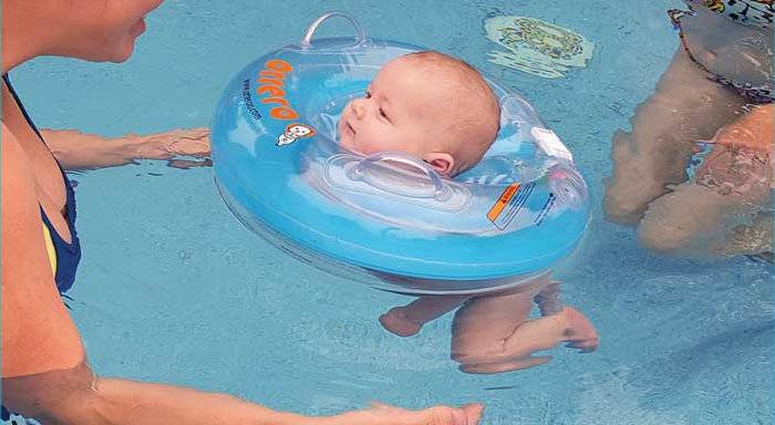 Круг для купания новорожденных – со скольки месяцев применять?