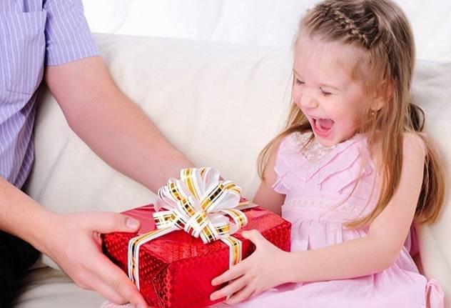 103+ идей что подарить девочке на 3 года в примерах плюс ещё подарки