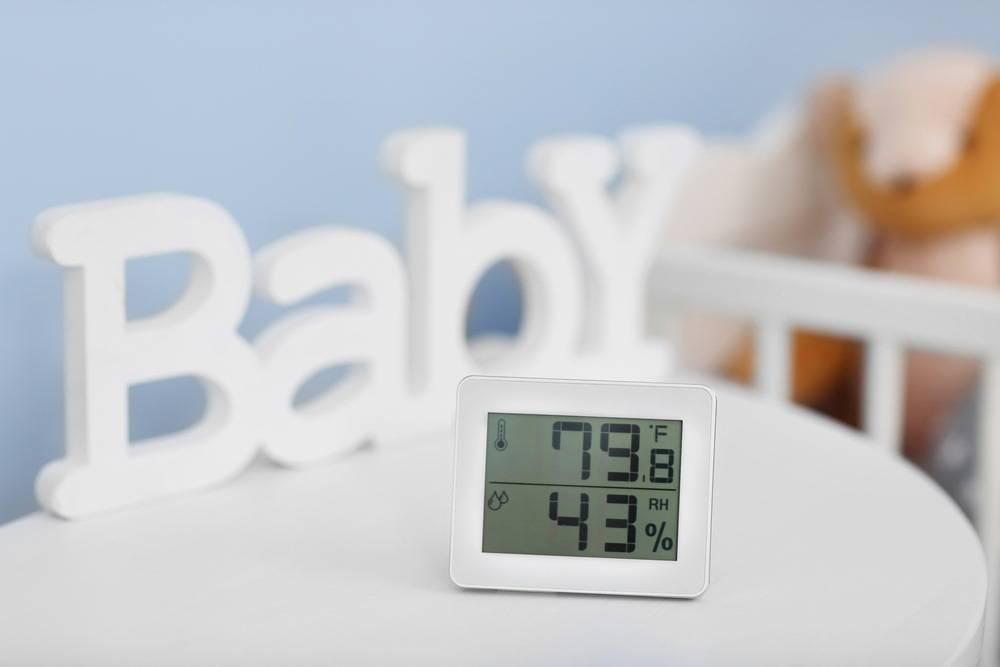 Какая оптимальная температура в комнате для новорождённого и как ее поддерживать