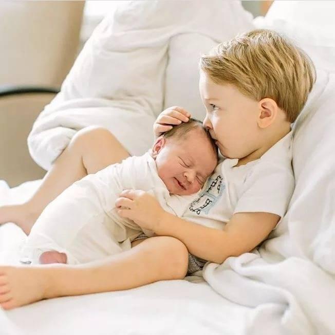 Как подготовить старшего ребенка к рождению младшего?