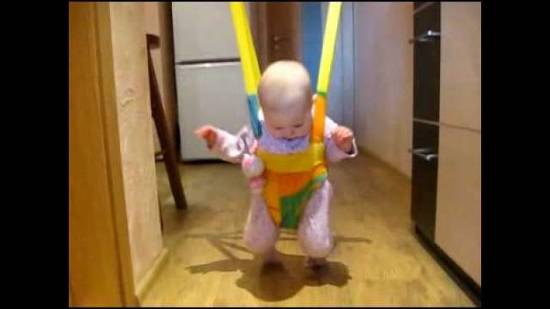 C какого возраста можно ходунки ребенку?