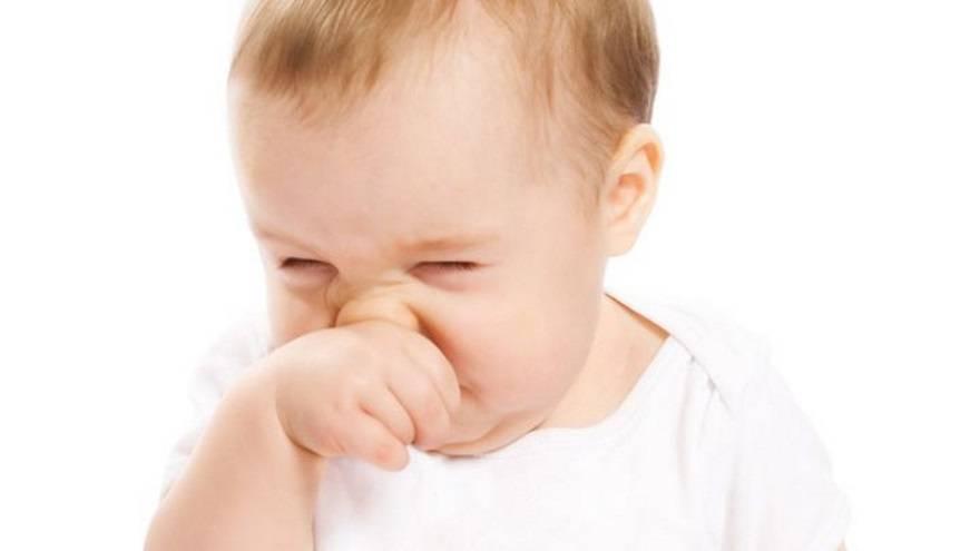Насморк у грудничка   сопли у новорожденного - как лечить и что делать