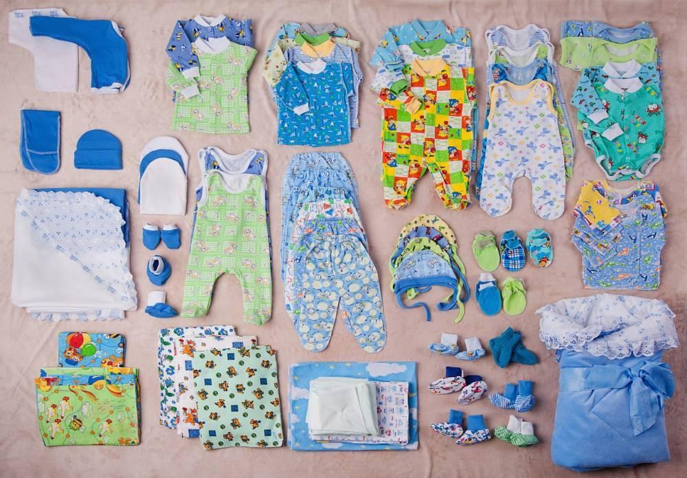 Вещи для новорожденного на первое время - какая одежда нужна