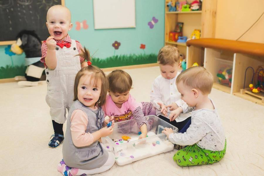 Со скольки лет идут в ясли: возраст ребенка - 2020 - 2020