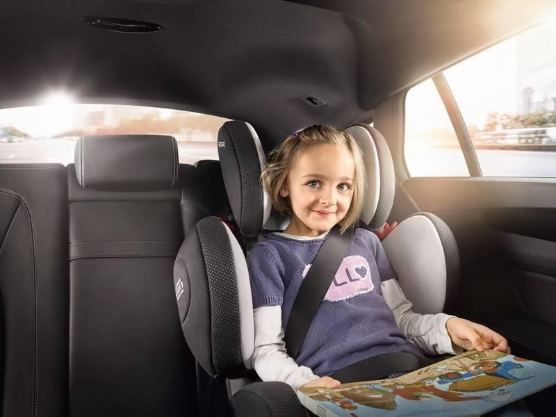 Детское удерживающее устройство в автомобиле: возраст, фэст