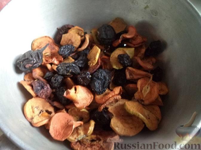 Как сварить компот из сухофруктов ребенку