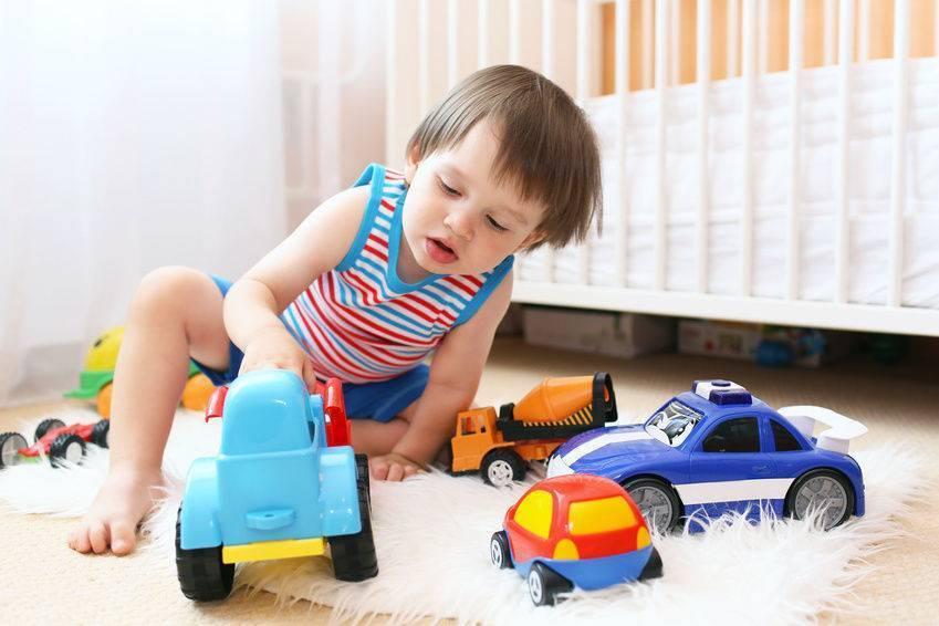 Как научить ребенка играть самостоятельно: 7 дельных подсказок мамам - детская психология