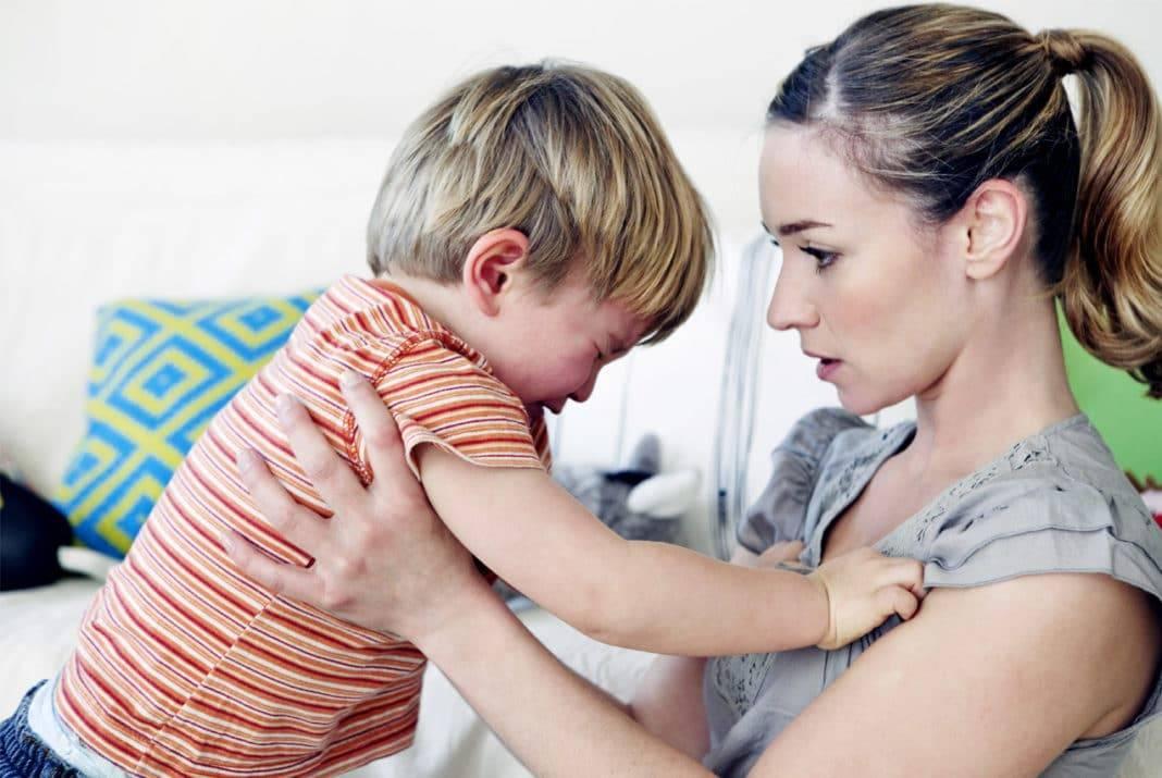 Ребенок плачет причины   что делать если ребенок плачет