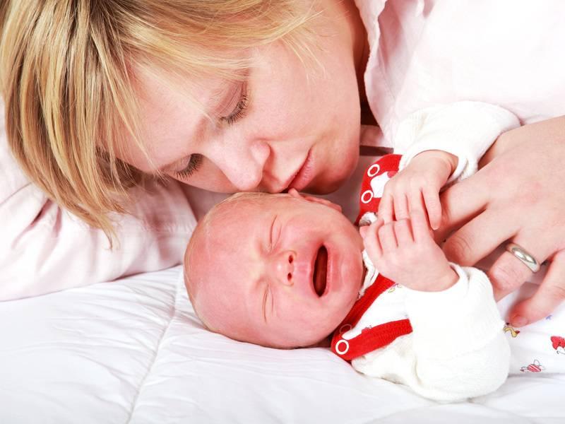 Почему плачет малыш? 8 причин плача новорожденного - новорожденный. ребенок до года