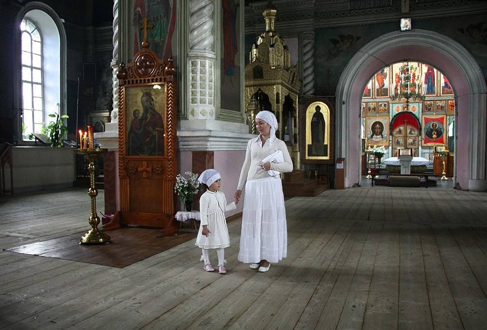 Можно ли во время месячных ходить в церковь?