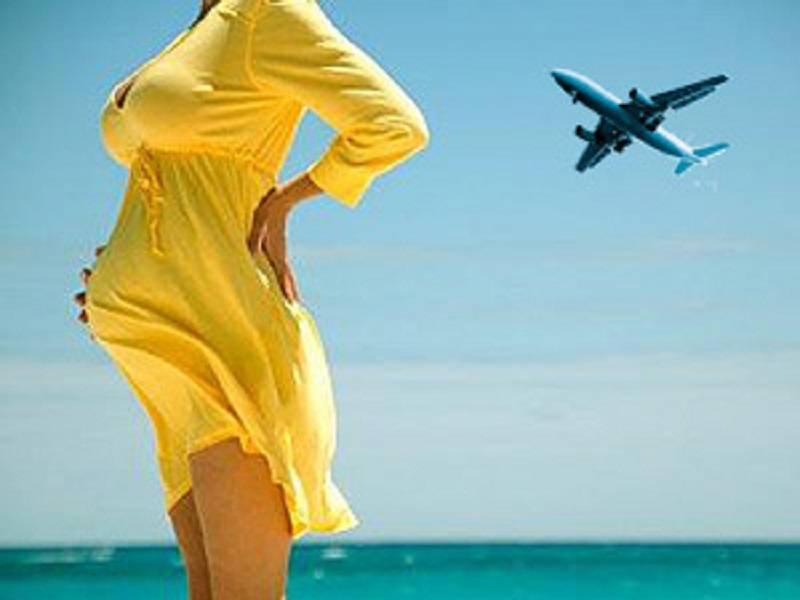 Перелёт беременных на самолёте: правила авиакомпаний и полезные советы