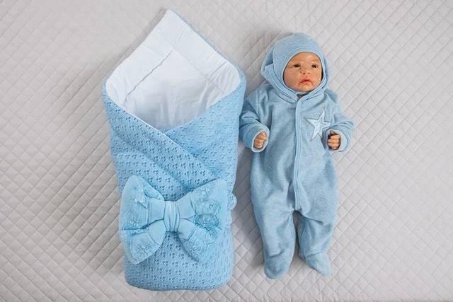 Выписка из роддома: что одеть малышу летом, зимой, весной, одеяло или плед для уголка, что подать в этот день, варианты украшений, платье для мамы