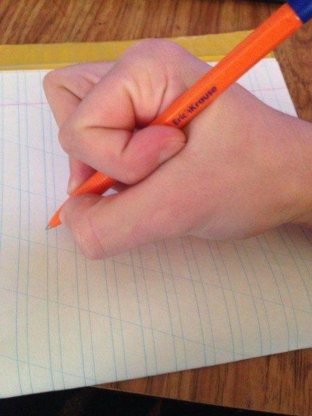 Как поставить ребенку руку для письма - способы обучения