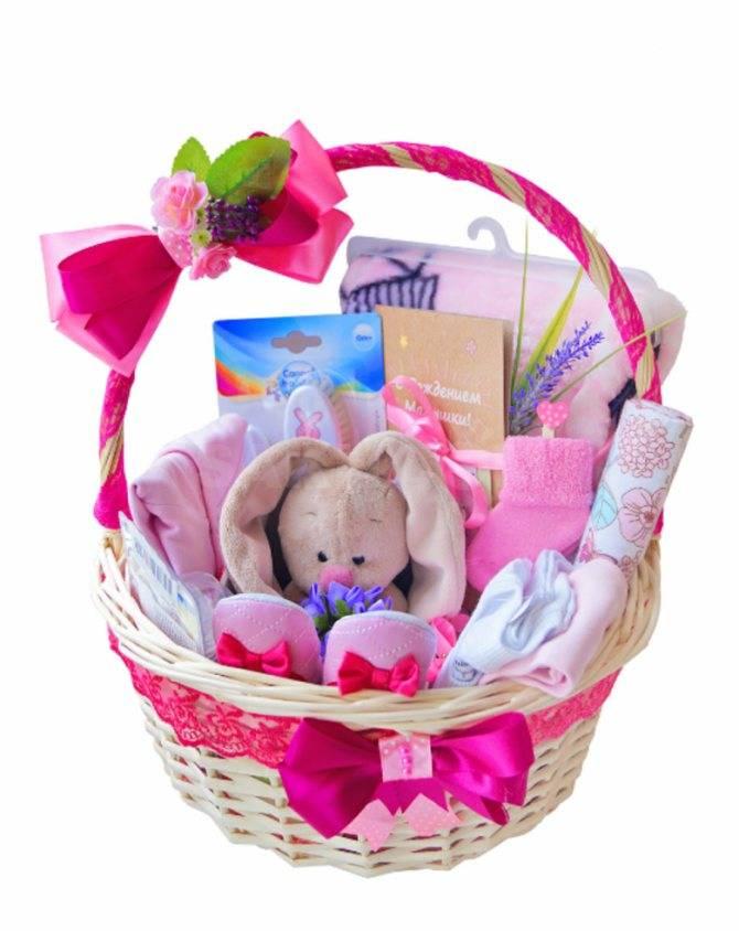 Что подарить ребенку на 1 месяц мальчику и девочке: идеи для подарков на «кашу»