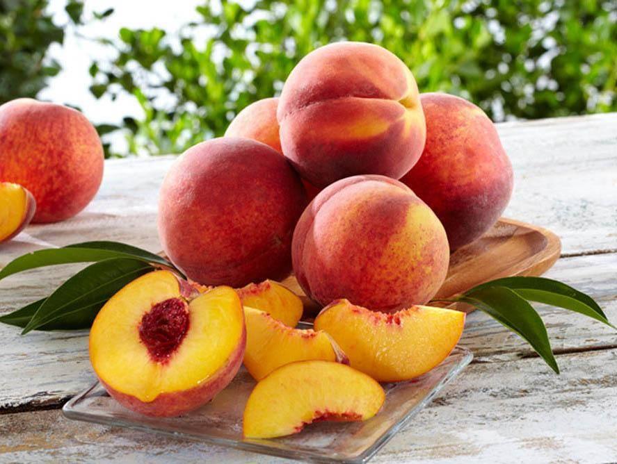 Персики при грудном вскармливании: можно ли кушать маме при кормлении новорожденного, в первый и в 2 месяца, разрешены ли во время гв свежие и консервированные?