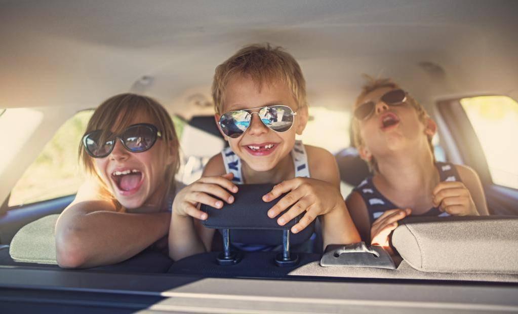 Как путешествовать с ребёнком на машине?