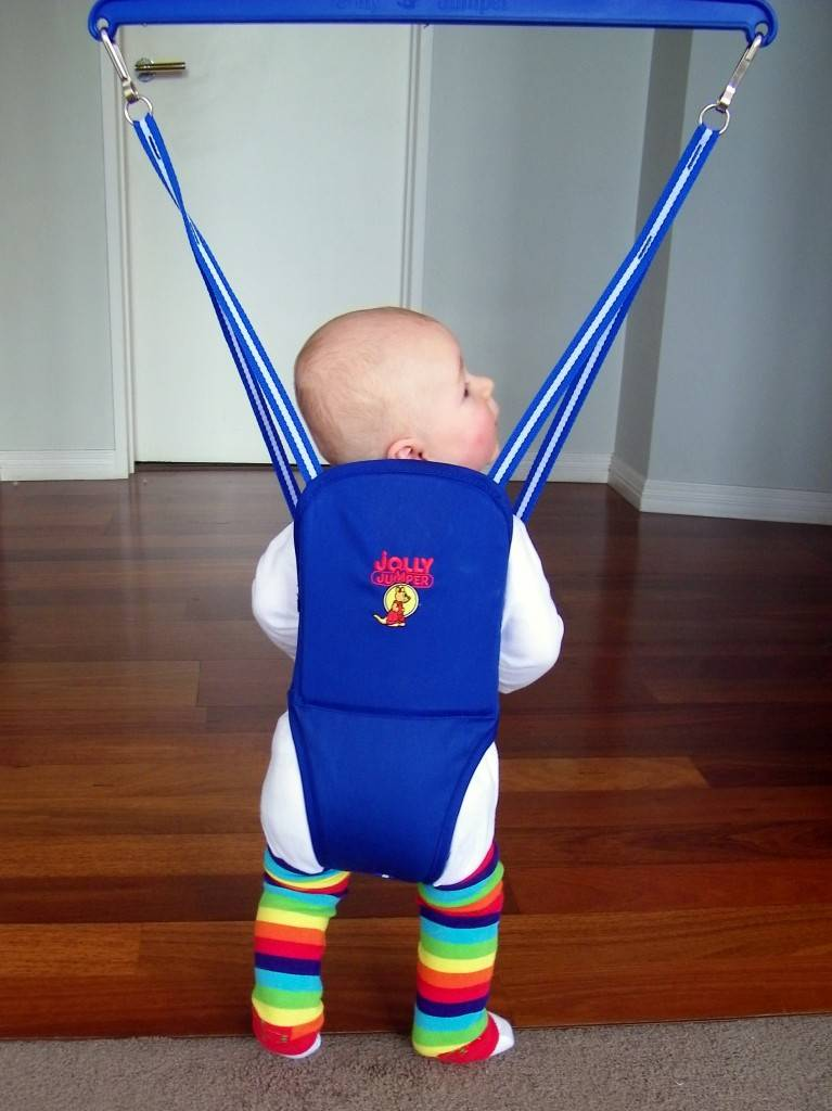 Прыгунки для детей от 6 месяцев: польза и вред, отзывы родителей