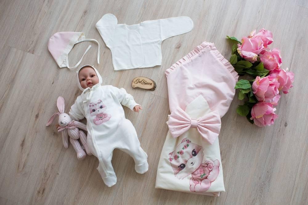 Как правильно одевать новорожденного летом?
