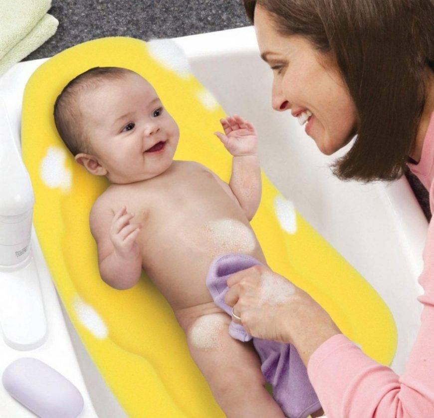 Гигиена новорожденных девочек: как подмывать, что такое синехии, как удалить смегму