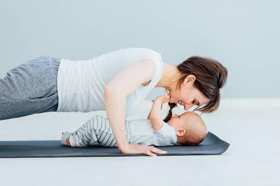 Тренировки после родов: как вернуть форму после беременности?