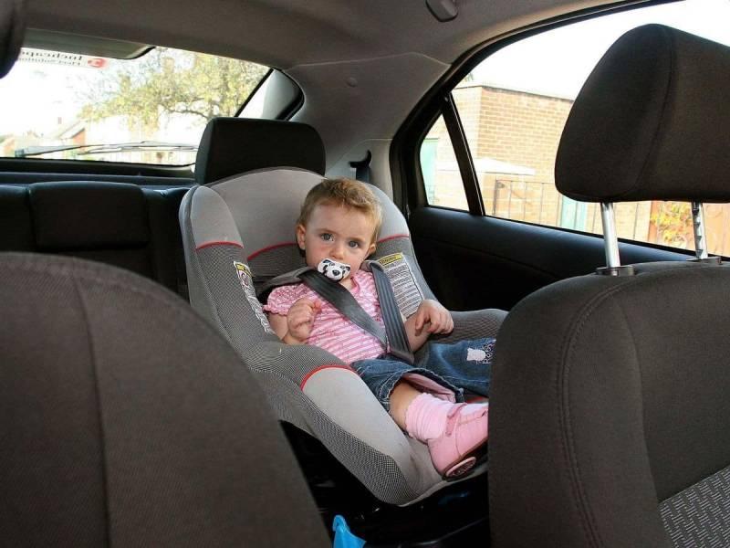 Как перевозить ребенка в машине по новым правилам