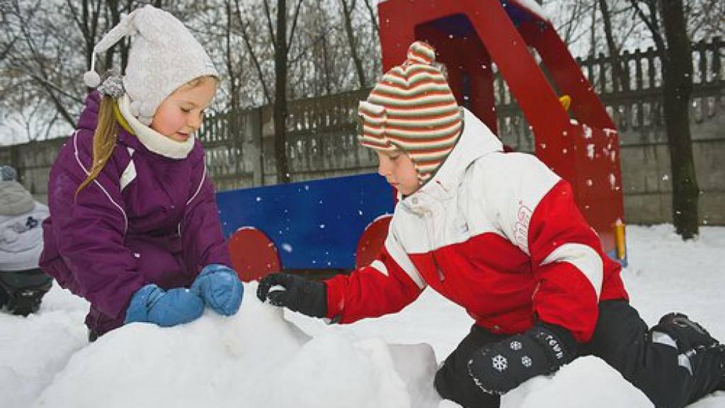 Проживание на даче зимой. что делать и чем заняться? идеи зимнего досуга за городом