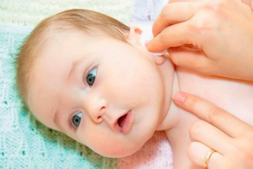 Чистим ушки грудничку: 5 нюансов по правильному уходу