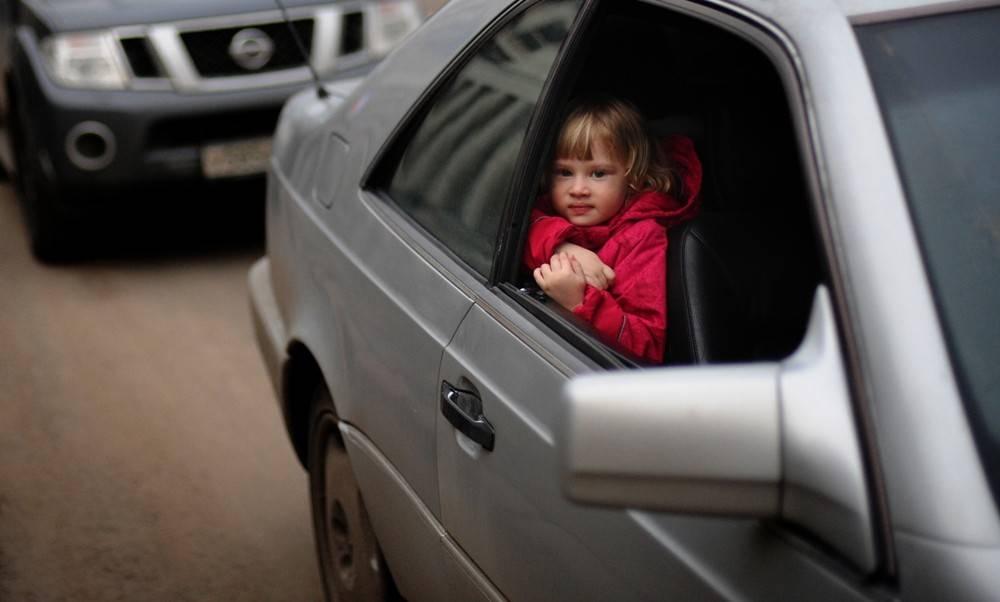 Можно ли возить ребенка и новорожденного в автокресле на переднем сиденье?