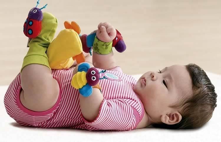 Рейтинг лучших развивающих игрушек до 1 года