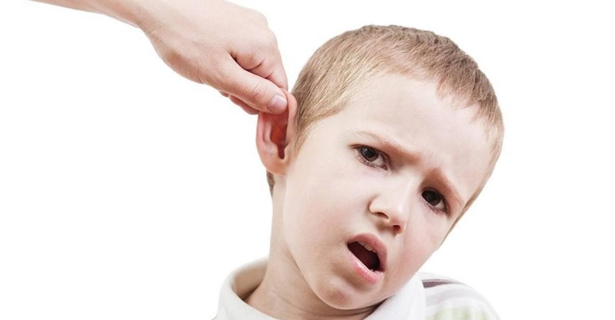 Почему годовалый ребенок бьет себя по лицу. почему годовалый ребенок может бить себя по голове, ударяться о стены и пол: выясняем причины и устраняем проблему