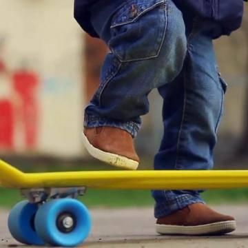 Скейтборд для ребенка - как выбрать, как научиться кататься, трюки