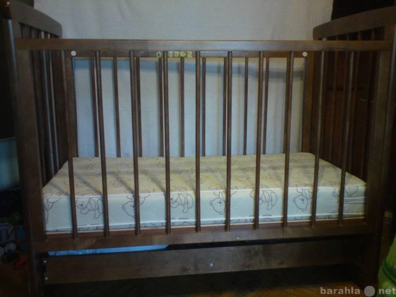 Как покрасить детскую кроватку своими руками?