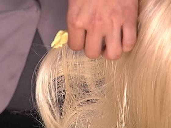 Как убрать жвачку с волос