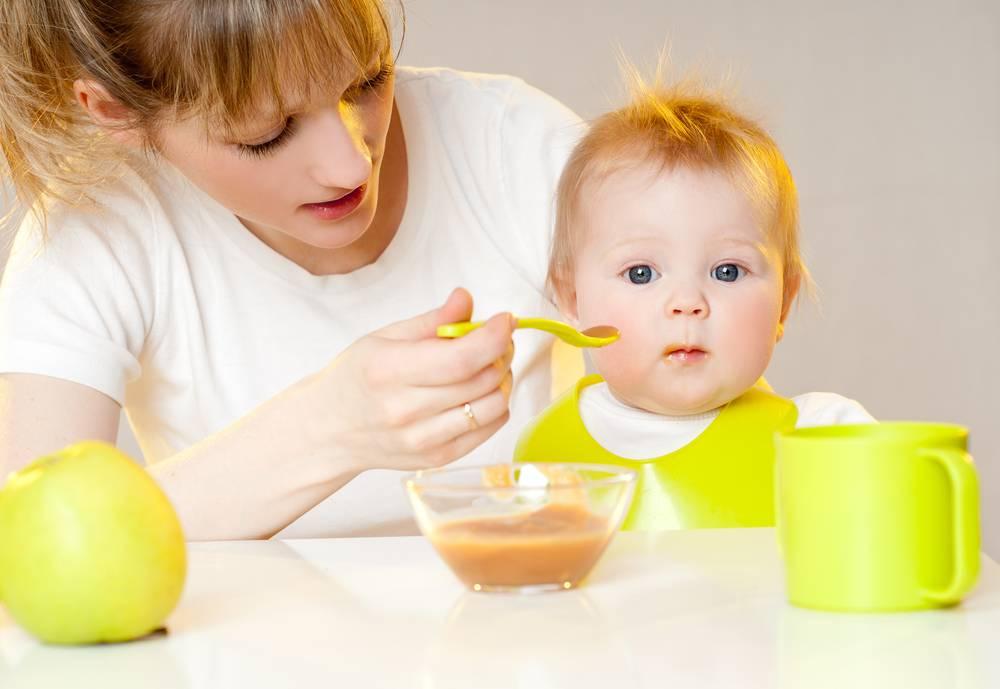Развитие ребенка в 11 месяцев: вес и рост малыша, питание и занятия