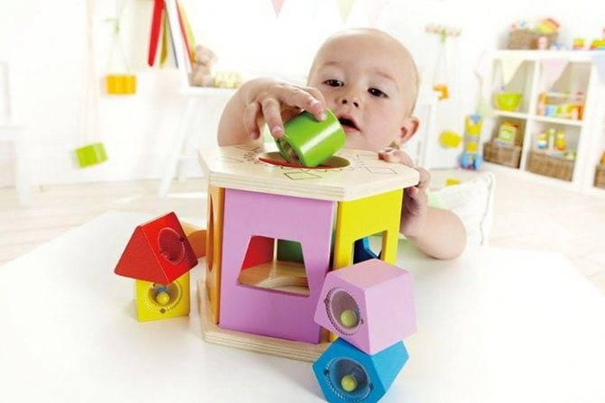 Что должен уметь ребенок в 11 месяцев и как развивать малыша?