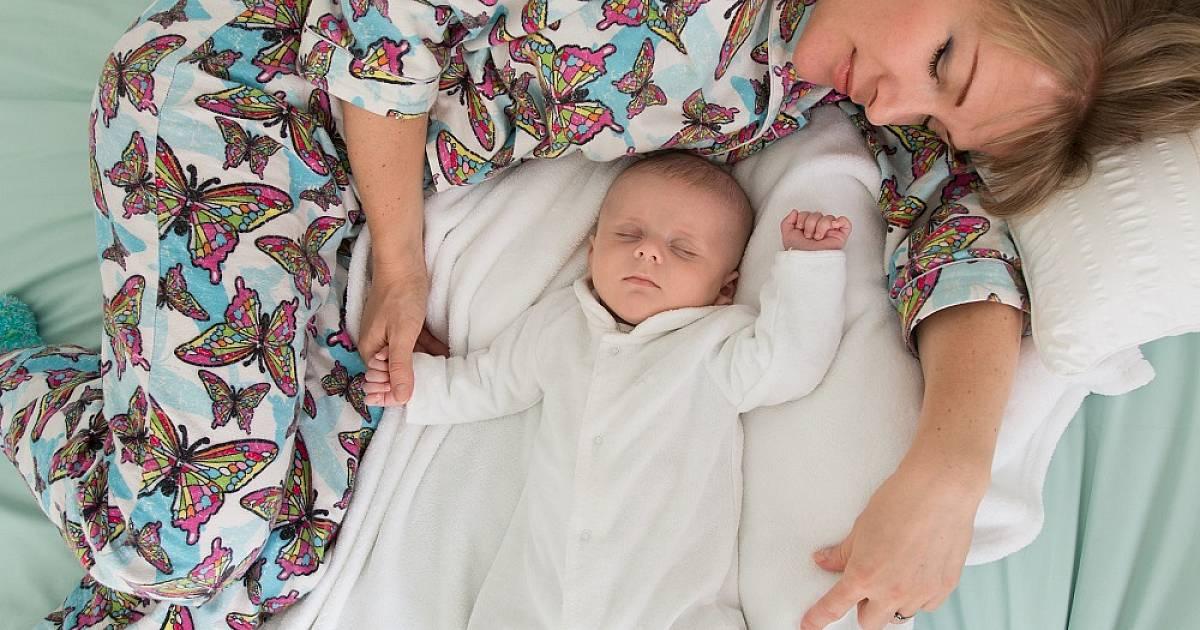 Можно ли детям спать с родителями в одной постели, до какого возраста: мнение психологов и доктора комаровского
