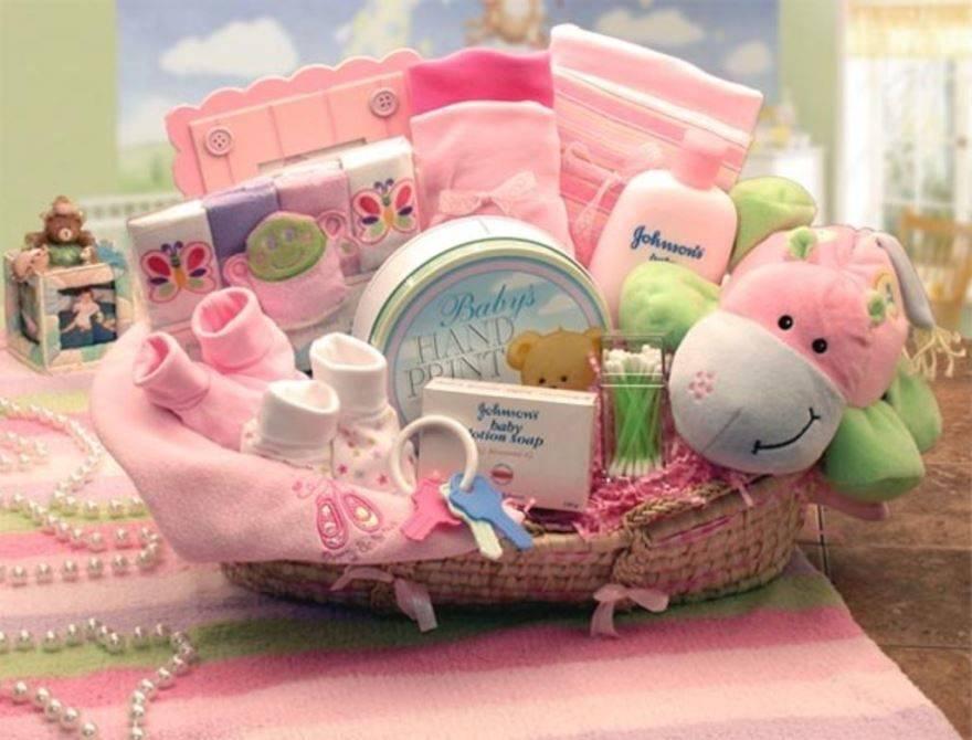 Подарки на рождение ребенка: традиционные, полезные, оригинальные