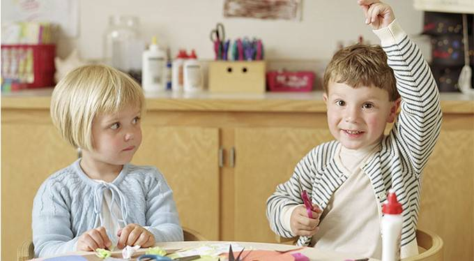 Дошкольное образовательное учреждение для ребенка: за и против