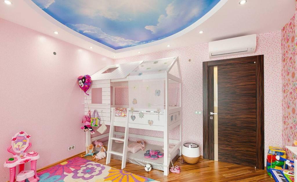 Советы по выбору потолка в детскую комнату: виды, цвет, дизайн и рисунки, фигурные формы, освещение